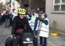 رکاب زنی بانوی تهرانی برای حمایت از دختران بازمانده از تحصیل