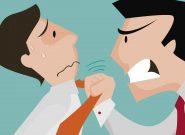 شرح ماجرای ضرب و شتم اربابرجوع توسط رئیس یک اداره فرهنگی!/توصیه فرمانداری به مرد مضروب برای دست کشیدن از شکایت!