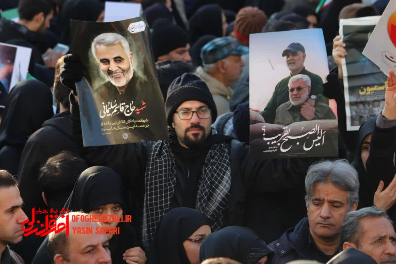 حماسه اشک و خشم در تهران/ مردم ایران خواهان انتقام سخت از آمریکا هستند