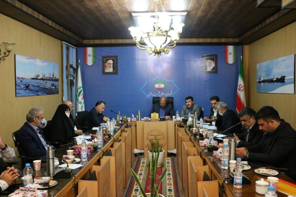 انتخاب شهردار، بازی مرگ و زندگی برای شورای شهر انزلی/شورا نباید مغلوب فشارهای رسانه ای شود